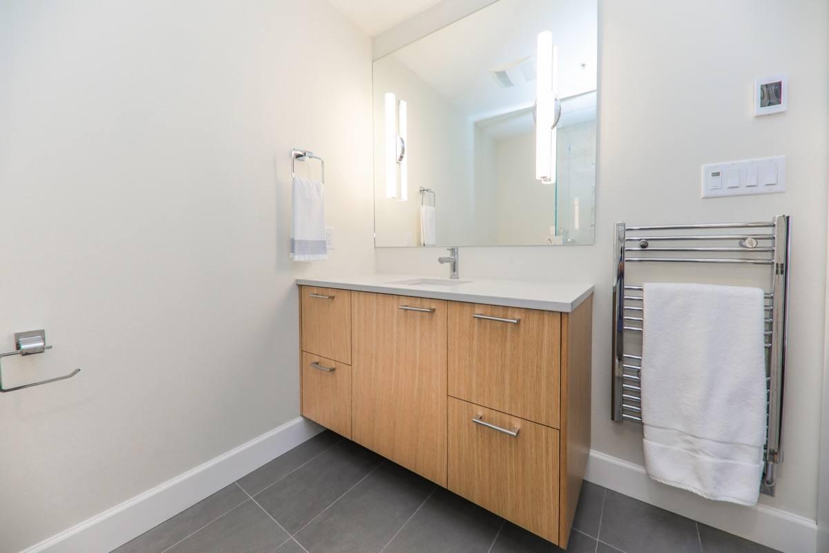 bathroom furnishings
