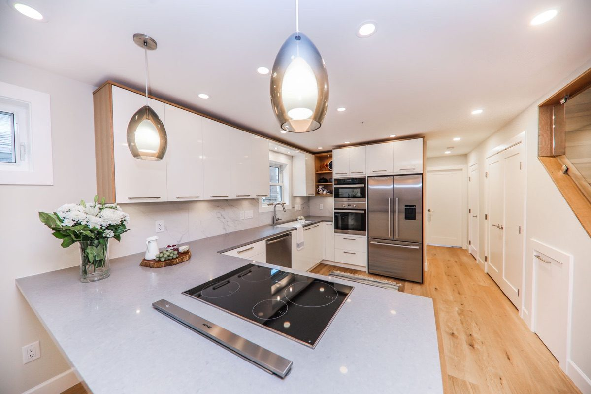 kitchen renovation contractor in vancouver can help you with renovate kitchen countertops